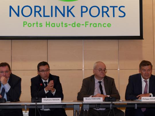 François Lavallée, président de la CCI Littoral Hauts-de-France, Stéphane Raison, président du directoire de Dunkerque-Port, Bruno Fontaine, président de Norlink Ports et Philippe Hourdain, président de la CCI Hauts-de-France.