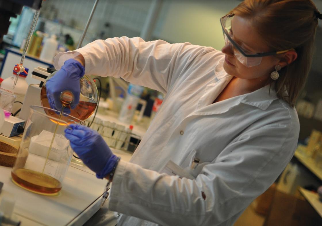 Gecco met au point son biodiésel à base d'huile de friture dans les laboratoires de l'Université de Lille. Crédit : Gecco