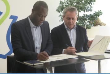Sylvain Makaya (ISIA) signe avec Xavier Bertrand