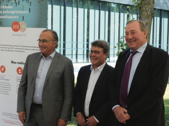 De g. à D., Jean-Pierre Letartre, nouveau président, au côté de Thierry Dujardin, directeur, et Gérard Méauxsoone, président sortant.