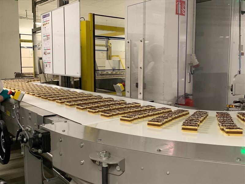 L'usine de jus, près de Saint-Quentin, produit le fameux Napolitain.