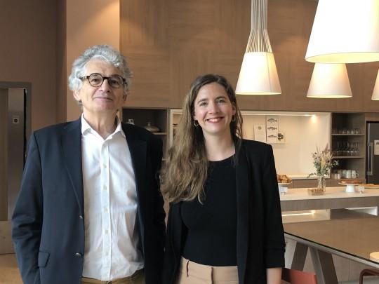Olivier Devys, fondateur de la chaîne, avec sa fille Solenne, directrice adjointe de l'hôtel lillois