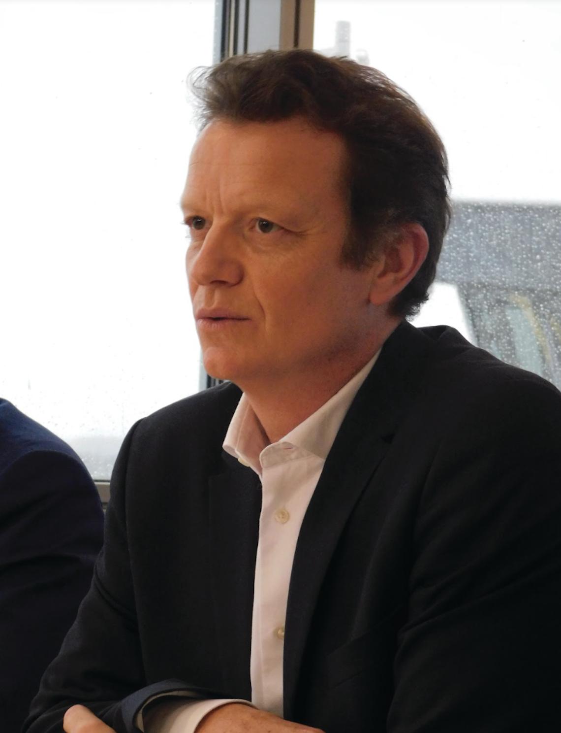 """Pour le directeur de l'aéroport Marc-André Gennart, """"l'actionnaire est toujours déterminé à investir quand le trafic sera là"""""""